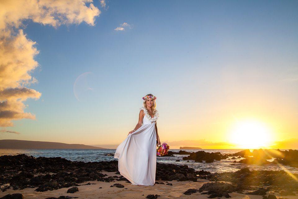 bride_behind the lens maui