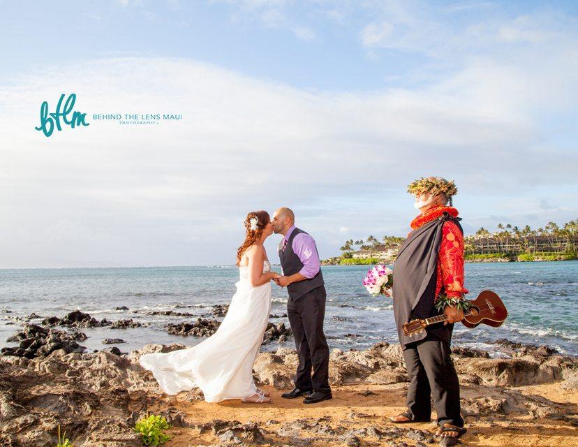 Maui photographer_1 beachwedding.jpg