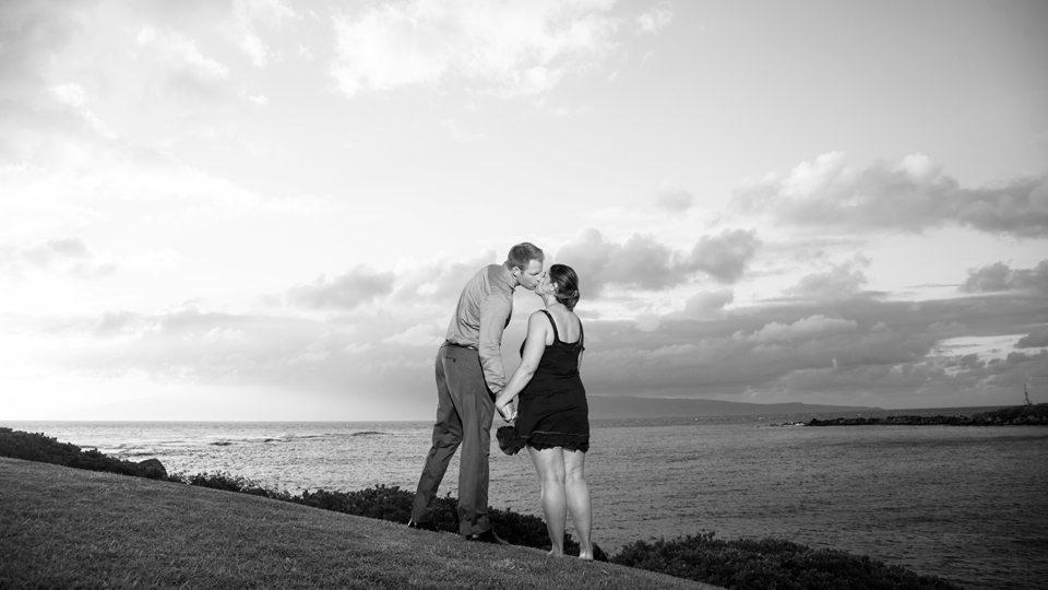 couples portraits Maui, Hawaii_ Behind The Len Maui.jpg