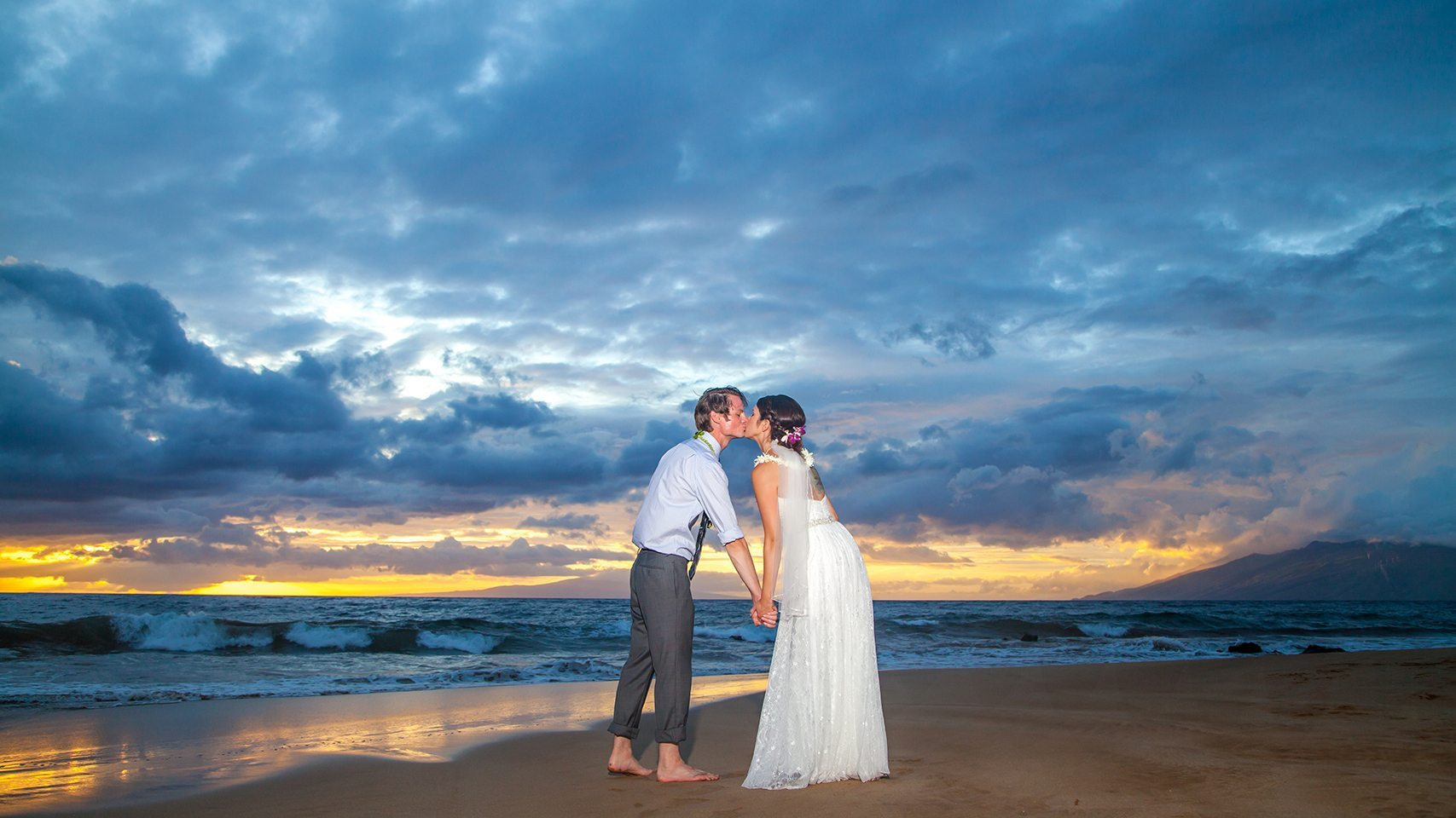 hawaii beach weddings_behind the lens maui