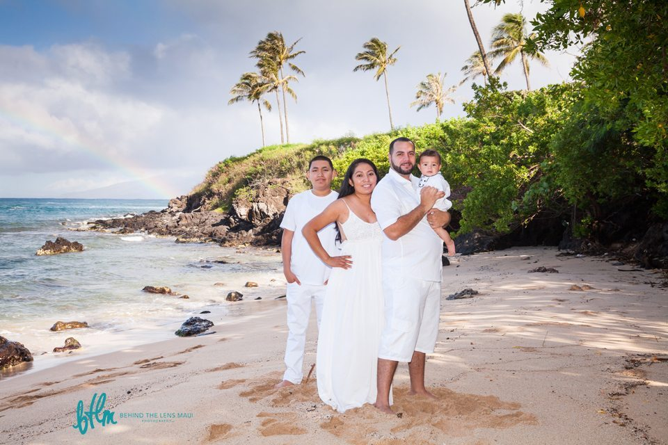 family portrait session_behind the lens maui.jpg
