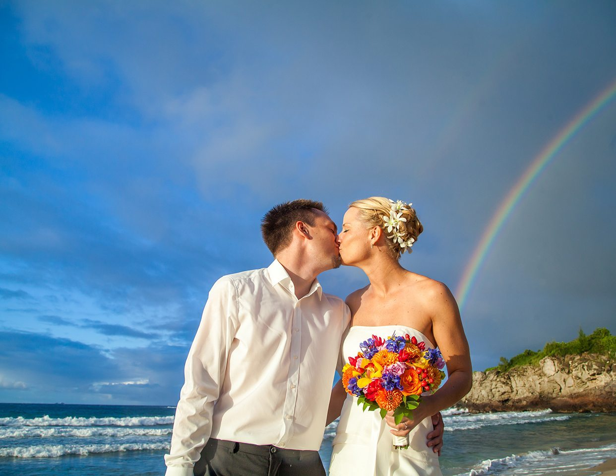 BEACH WEDDING_ Behind The Lens Maui