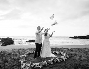 maui wedding photographer, maui wedding photography, dove release